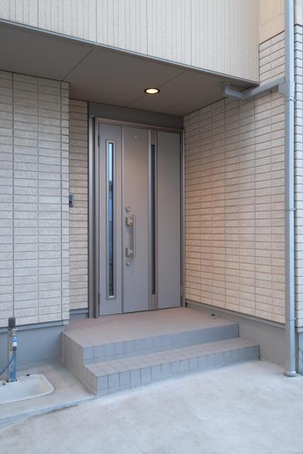 愛媛の玄関リフォーム費用・相場